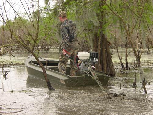 Лодка с водометным двигателем