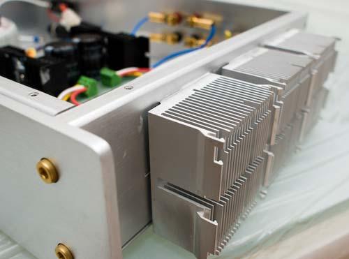 Радиатор для охлаждения усилителя