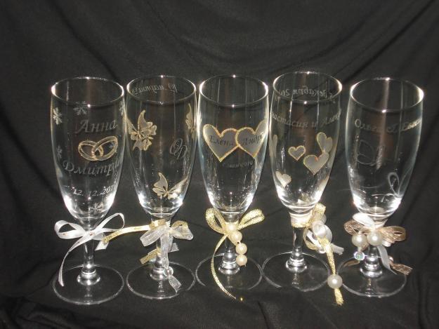 Как украсить свадебные бокалы своими руками