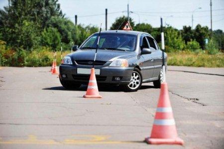 Как научиться ездить на машине