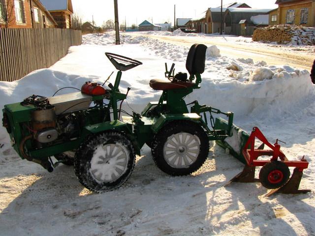 Собрал трактор своими руками