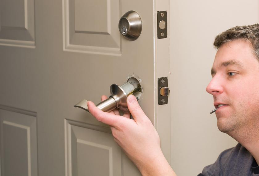 Установка ручек дверей межкомнатных своими руками