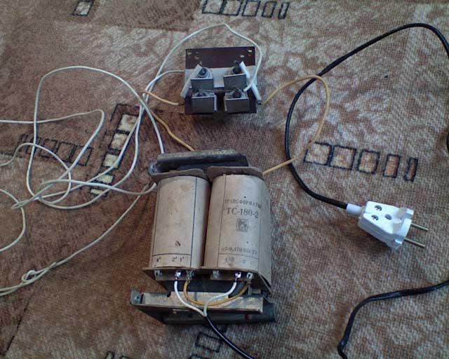 Зарядное для аккумулятора своими руками